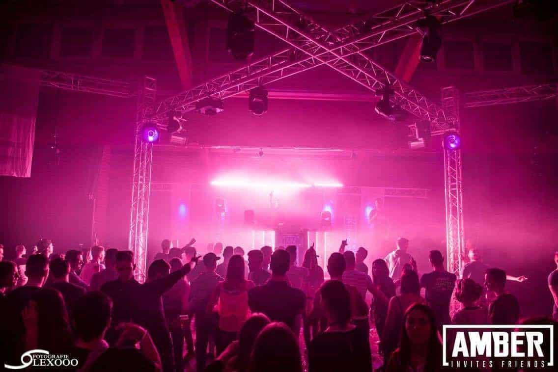 Amber Invites 3 EQS Light and sound rental